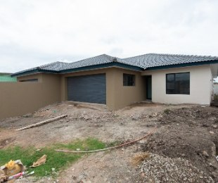 R 1,620,000 - 3 Bed House For Sale in Seemeeu Park