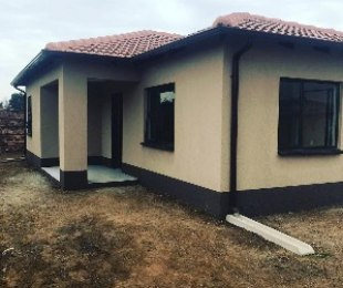 R 660,000 - 3 Bed House For Sale in Klippoortje