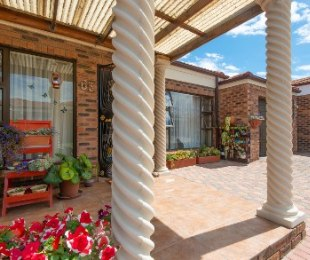 R 1,435,000 - 4 Bed House For Sale in Hartenbos