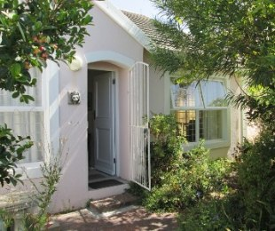 R 2,495,000 - 2 Bed Property For Sale in Dieprivier