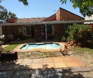 R 1,995,000 - 2 Bed Property For Sale in Table View