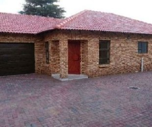 R 1,750,000 - 3 Bed Property For Sale in New Redruth