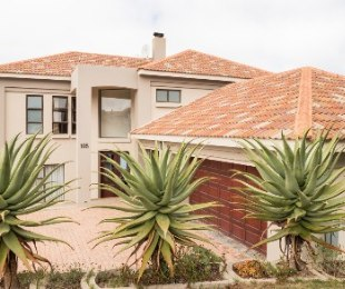 R 4,410,000 - 6 Bed Home For Sale in Mossel Bay Golf Estate