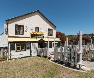 R 2,500,000 - 3 Bed Commercial Property For Sale in Betty's Bay