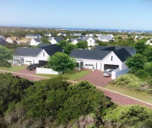 R 2,295,000 - 3 Bed House For Sale in St Francis Bay Links