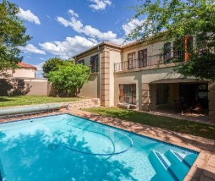 R 2,700,000 - 4 Bed Home For Sale in Boskruin