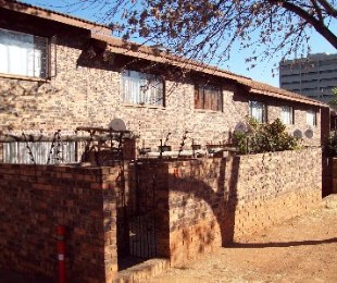 R 540,000 - 2 Bed Property For Sale in Windsor East