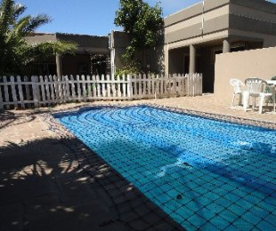 R 1,999,000 - 3 Bed House For Sale in Parklands