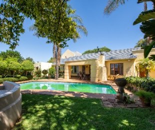 R 2,499,000 - 5 Bed House For Sale in Weltevreden Park