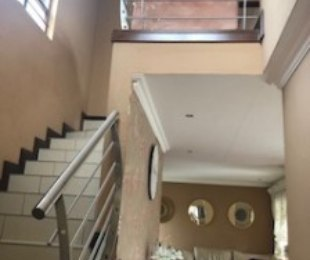 R 18,000 - 3 Bed Property To Let in Summerset Estate