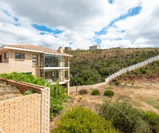 R 1,980,000 - 3 Bed House For Sale in Boland Park