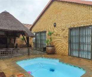R 1,950,000 - 3 Bed Property For Sale in New Redruth