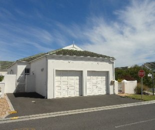 R 2,150,000 - 2 Bed Property For Sale in Sunningdale