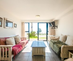 R 2,100,000 - 2 Bed Apartment For Sale in Mossel Bay