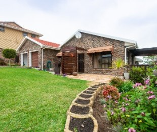 R 1,690,000 - 3 Bed House For Sale in Fraaiuitsig