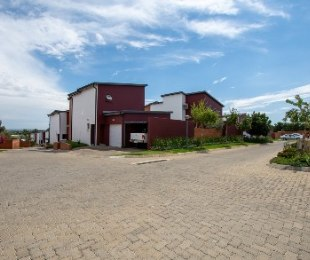 R 1,799,999 - 2 Bed House For Sale in Fourways