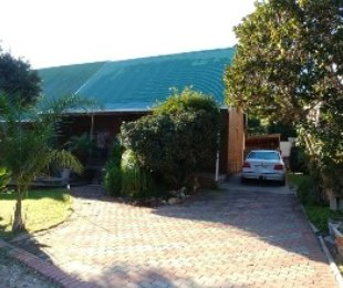 R 1,260,000 - 3 Bed Home For Sale in Franschhoek