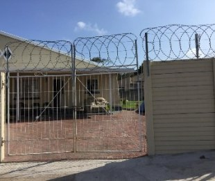 R 1,100,000 - 2 Bed House For Sale in Glenwood