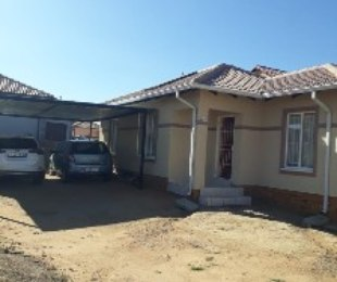 R 7,200 - 3 Bed House To Rent in Blue Hills