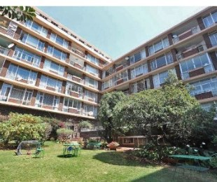 R 12,500 - 3 Bed Flat To Rent in Killarney