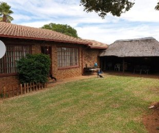 R 899,000 - 3 Bed Property For Sale in Witpoortjie