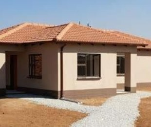 R 750,000 - 3 Bed House For Sale in Rosslyn