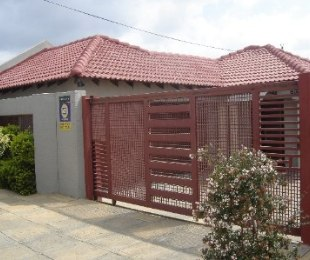 R 1,300,000 - 3 Bed Property For Sale in Nellmapius
