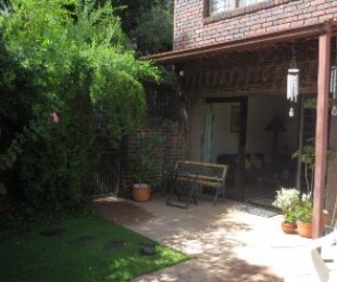 R 980,000 - 3 Bed House For Sale in Windsor East