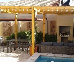 R 980,000 - 3 Bed Property For Sale in Wychwood