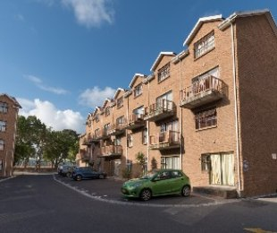 R 7,400 - 2 Bed Apartment To Rent in Brackenfell