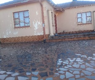 R 550,000 - 3 Bed House For Sale in Mabopane