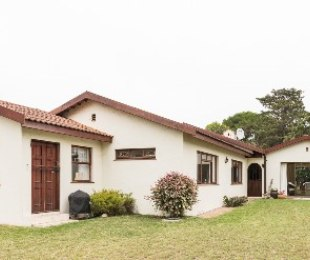 R 2,350,000 - 3 Bed House For Sale in Lower Robberg