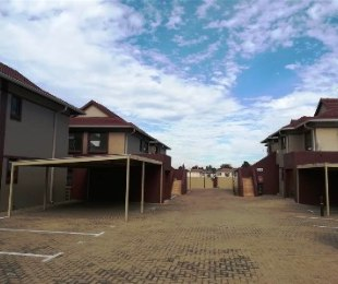 R 1,100,000 - 3 Bed Property For Sale in Newmarket Park