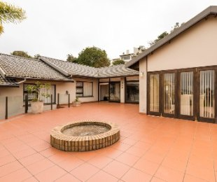 R 3,700,000 - 4 Bed House For Sale in Lower Robberg