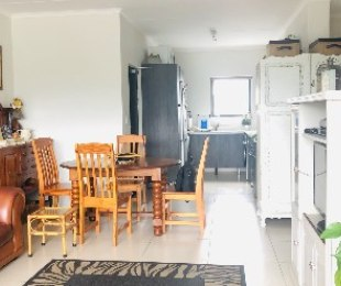R 1,695,000 - 3 Bed Flat For Sale in Somerset West Central