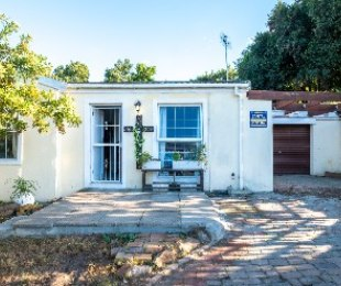 R 1,295,000 - 2 Bed House For Sale in Protea Village