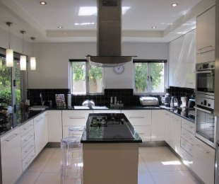R 2,990,000 - 3 Bed Home For Sale in Six Fountains