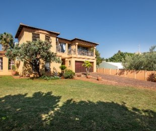 R 1,799,999 - 4 Bed Home For Sale in Cashan