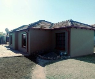R 850,000 - 2 Bed House For Sale in Nellmapius
