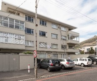 R 2,795,000 - 2 Bed Flat For Sale in Sea Point