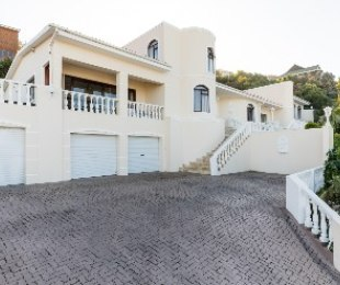R 4,395,000 - 4 Bed Home For Sale in Outeniquastrand
