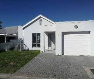 R 1,900,000 - 3 Bed Home For Sale in Paarl Central