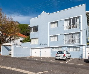 R 2,495,000 - 2 Bed Flat For Sale in Vredehoek