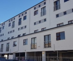 R 945,000 - 1 Bed Flat For Sale in Kenilworth