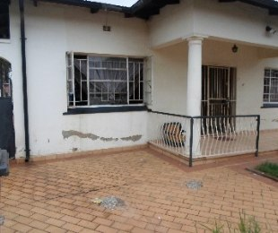 R 800,000 - 3 Bed House For Sale in Pretoria West