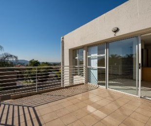 R 799,000 - 1 Bed Flat For Sale in Lonehill