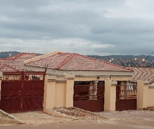 R 845,000 - 3 Bed Home For Sale in Lotus Gardens