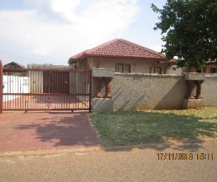 R 785,000 - 3 Bed House For Sale in Danville