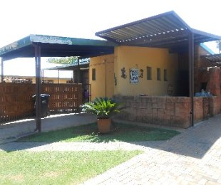 R 915,000 - 3 Bed House For Sale in Danville