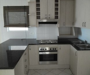 R 8,200 - 1 Bed Apartment To Let in Bloubergrant